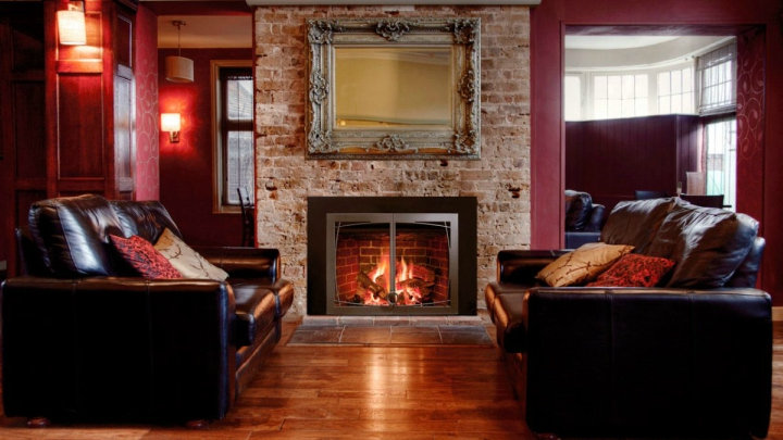 Ideas and tips for decorating a fireplace
