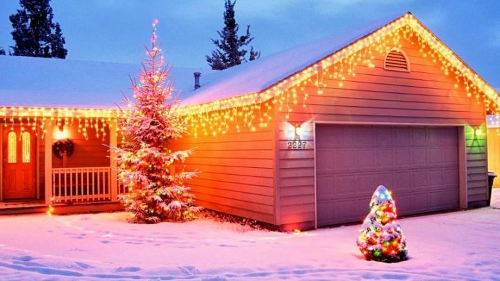 christmas-garage